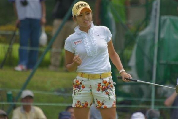 韓国出身のプロ女子ゴルファー、イ・ボミ選手のムチムチ着衣巨乳画像5