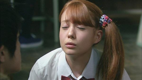 トリンドル玲奈の美乳おっぱいエロ画像8