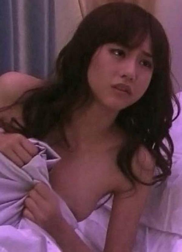 桐谷美玲のセミヌード乳首見え画像8