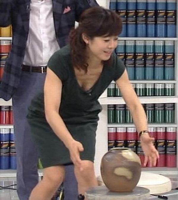 魅惑の熟女アナ有働由美子のセクシーショットエロ画像8