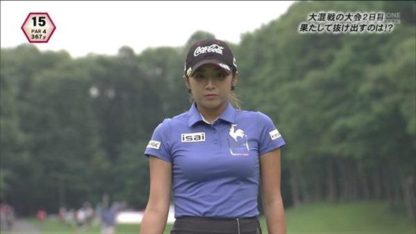 韓国出身のプロ女子ゴルファー、イ・ボミ選手のムチムチ着衣巨乳画像8