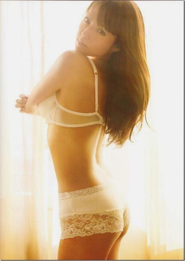 アラサー深田恭子の巨乳おっぱいエロ画像9