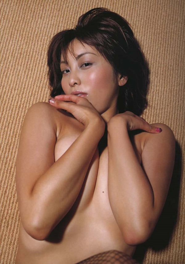 熊切あさ美の全裸ヌード画像9