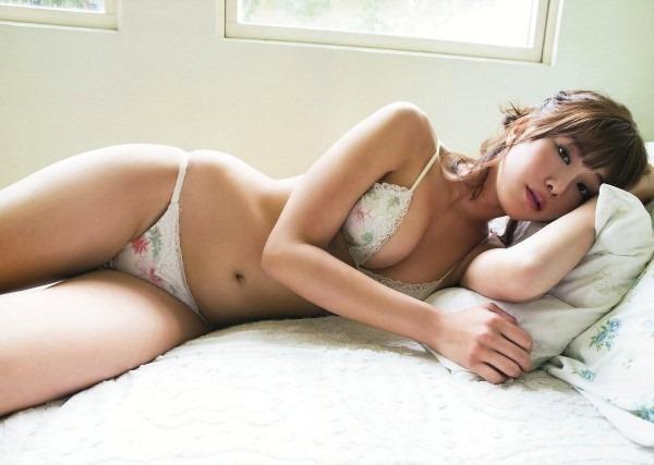 神スイングの稲村亜美が体操服コスエロ画像9