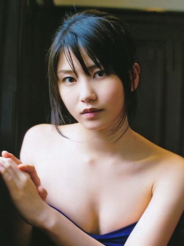 AKB48横山由依の素っ裸ヌード美乳のアイコラエロ画像6