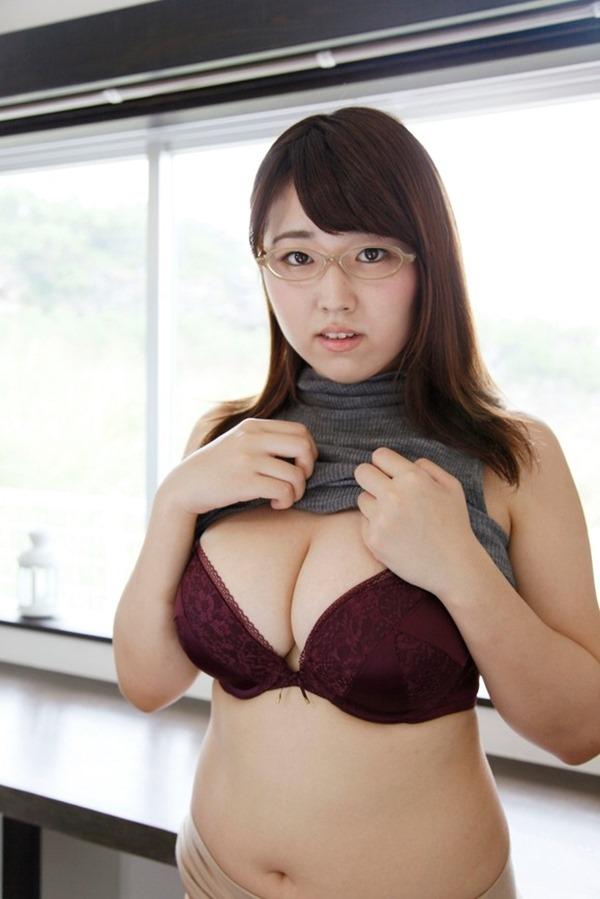 Iカップグラドル松本菜奈実の新作DVDエロ画像11