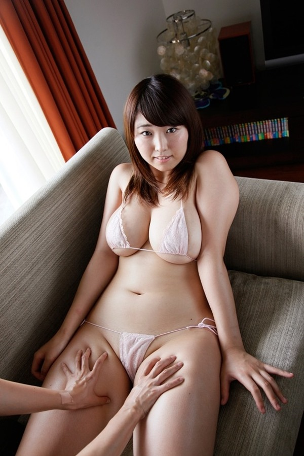 Iカップグラドル松本菜奈実の新作DVDエロ画像14