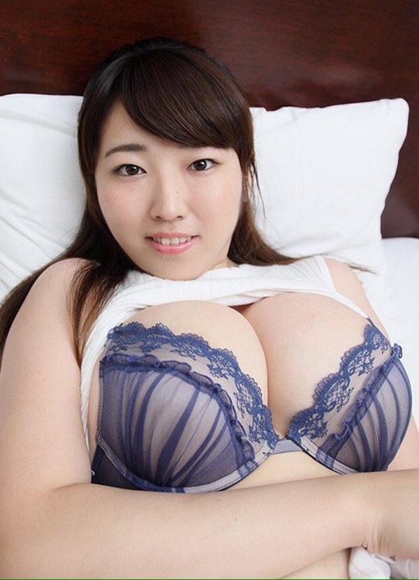 Iカップグラドル松本菜奈実の新作DVDエロ画像15