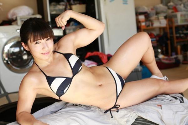 筋肉アイドル才木玲佳がガチムチトレーニングDVDエロ動画4