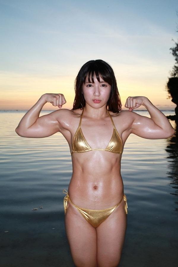 筋肉アイドル才木玲佳がガチムチトレーニングDVDエロ動画