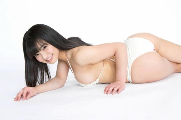 Gカップグラドル片岡沙耶の巨乳下乳エロ画像6