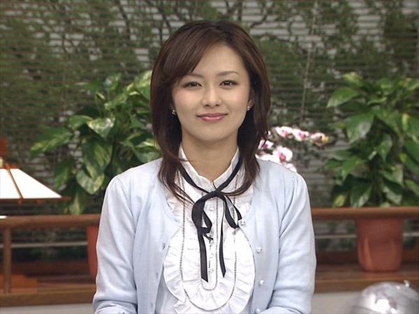 伊藤綾子アナウンサーのテレビキャプ画像GIF7