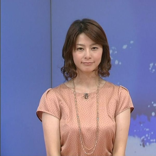 NHK杉浦友紀アナの大きい着衣横乳エロ画像11