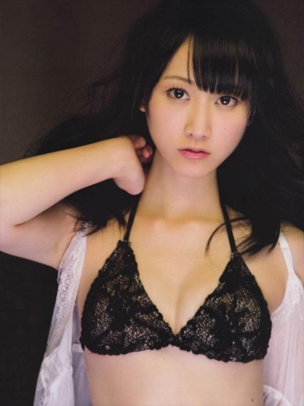 松井玲奈の推定Bカップ美乳おっぱいエロ画像