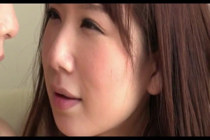 【レズ】女同士でディープキス!キュートな顔してマ○コを舐めるレズビアン映像!