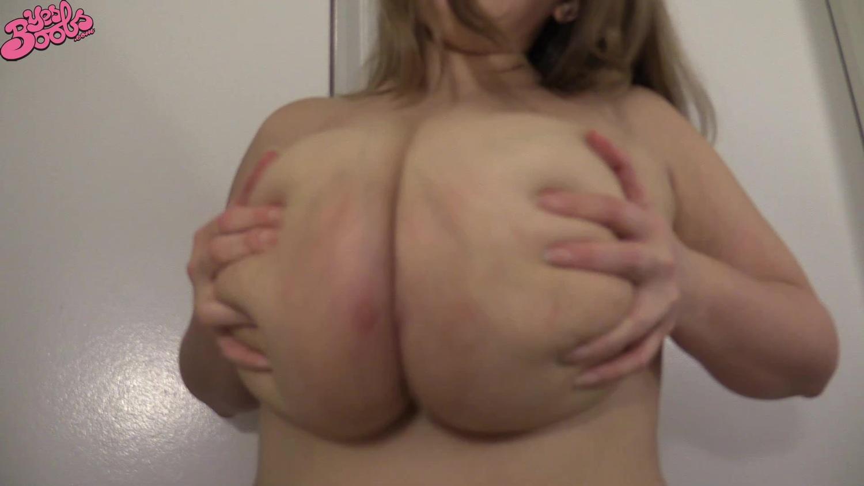 ボインボインの柔らか乳房!暴れまくる天然爆乳をご覧ください!【ぽっちゃりデブ】