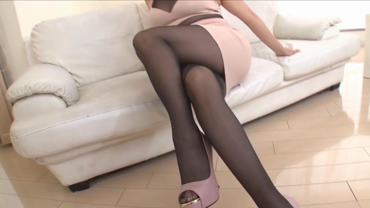 <ストッキングの誘惑>風間ゆみ 色気ムンムンの熟女が黒いストッキングにタイトスカートで誘ってくる