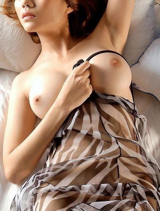 おっぱい 美乳16068.jpg
