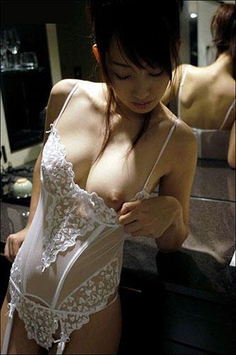 おっぱい 美乳16489.jpg