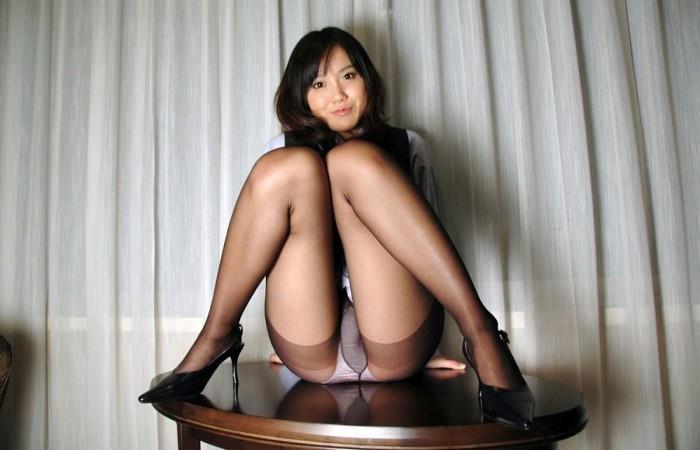 M字開脚 6