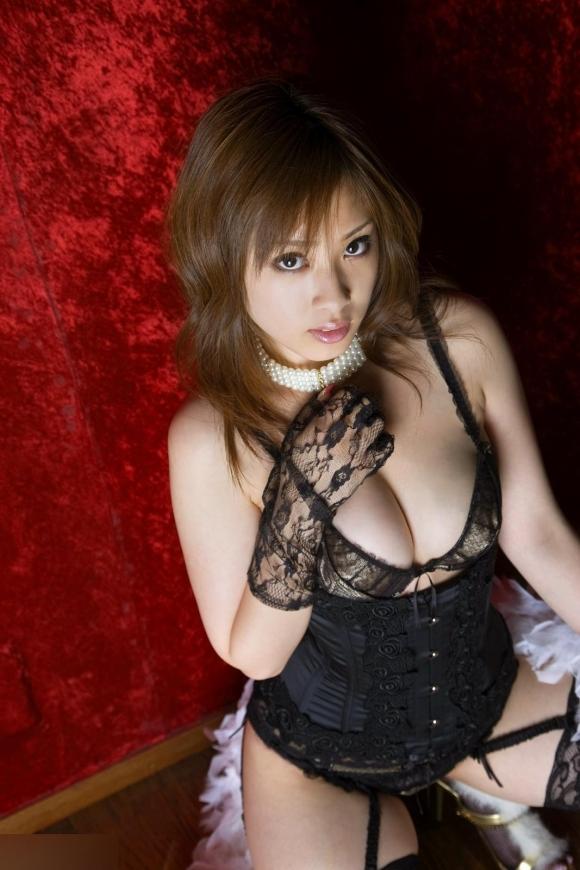 【エロ画像】下着姿が素敵なら全裸はどれだけ素敵なのか?意外とそうでもないケースも?パート6
