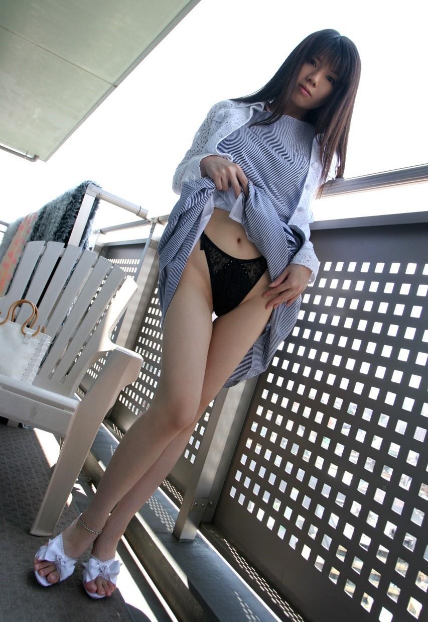 挑発 スカート71