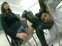 【M男】制服JK様への黒ブーツ舐め完全服従!