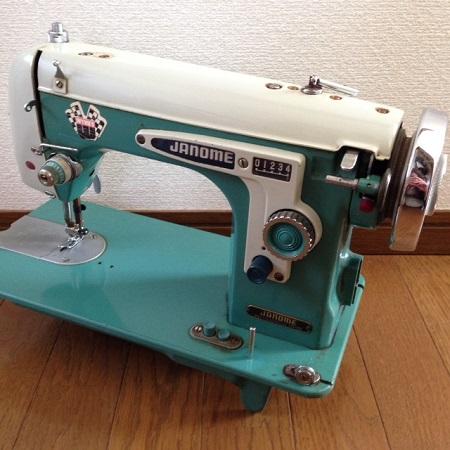 sawingmachine.jpg