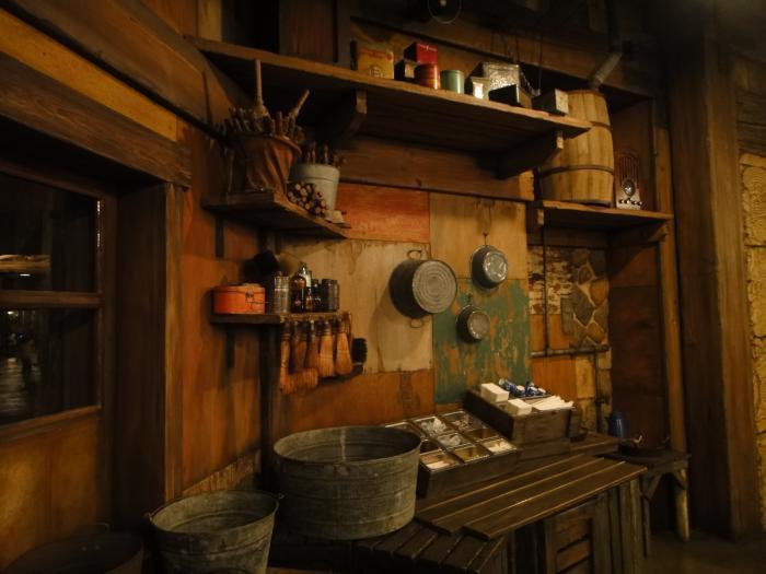 TDS 2013-11 ユカタンベースキャンプグリル 店内風景