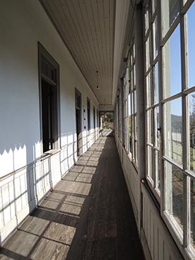 日赤病院廊下