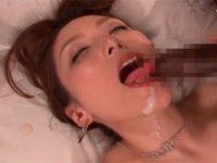 【白木優子】淫乱美熟女が黒人のデカマラ数本に大興奮!酔いしれる!後