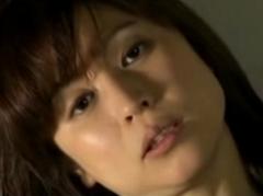 【ヘンリー塚本】性欲が強過ぎて夫に逃げられた美人妻!それでもSEXを求めてしまう淫乱熟女!