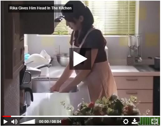 【藤下梨花】友達のお母さんが爆乳でエロいから台所で●しちゃった。