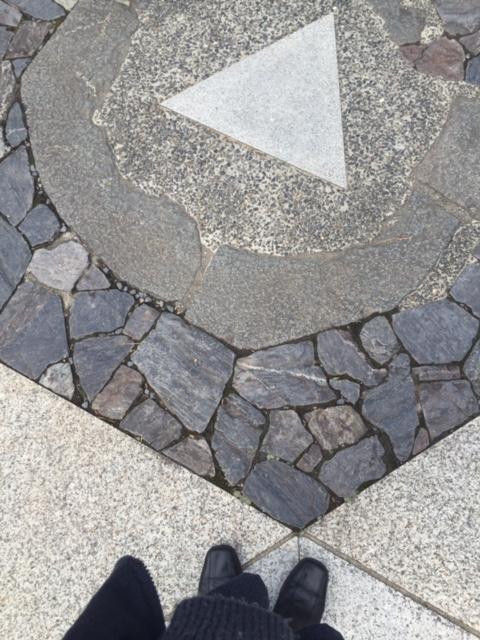 パワースポットの真ん中の三角