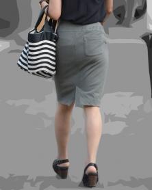 スレンダー小尻のタイトスカート
