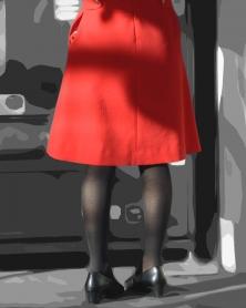 真っ赤な制服の黒タイツ