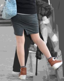 ぴちぴちタイトなミニスカート