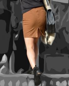 タイトなミニスカートと生美脚