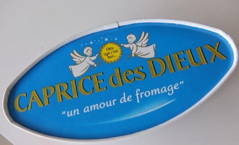 コストコ フランス カプリデデュー 1,248円也 チーズ
