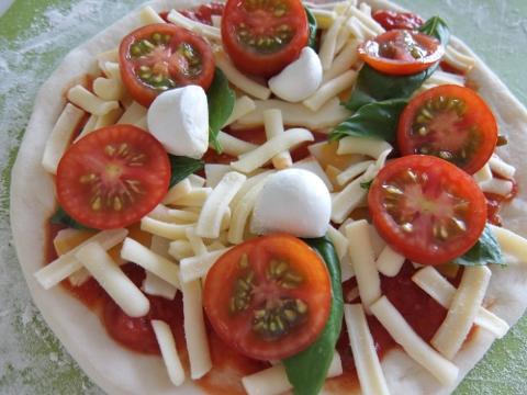 コストコ チーズ 自家製 トマト ピザ