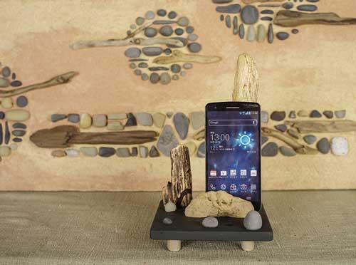 流木の携帯電話スタンドー1