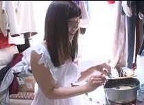 (無料えろムービー)星川英智 お嬢様が大学生の安アパートにエプロン女訪問sex