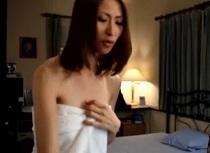(無料えろムービー)朝日奈あかり 弟のパンツマニアックを心配して生身の女身体でボッキ出来るのかチェックする優しい姉