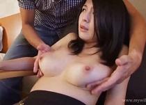 綾瀬れん Hカップ奥様が柔肌美白乳を揺らして上品に喘ぐセックス