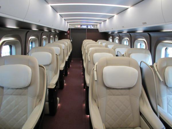 北陸新幹線グランクラス2