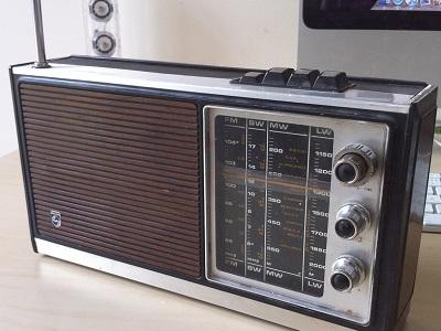 radio-01.jpg