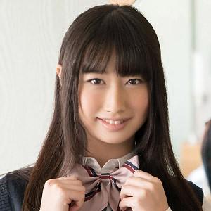 真面目な優等生の雰囲気を彷彿させる黒髪の童顔美少女が淫靡な姿を披露しちゃうadaruto無修正動画
