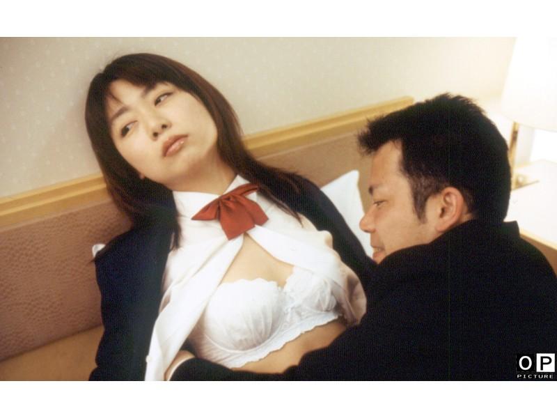 【はらだはるなの無修正動画】adaruto 十八歳、赤裸々胸元とセックス告白