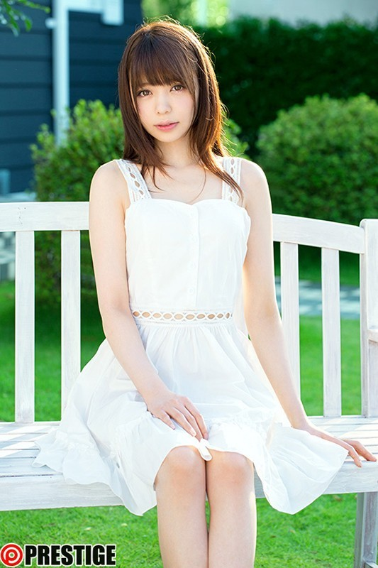 鳳香苗(おおとりかなめ) 純白の翼、煌めいて~圧倒的美少女~初イメージ作品! 凰かなめ