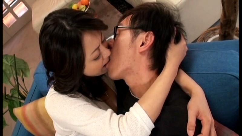 【木村真子の無修正動画】adaruto 溺愛する自分の息子に熟れた身体を使って性教育する母